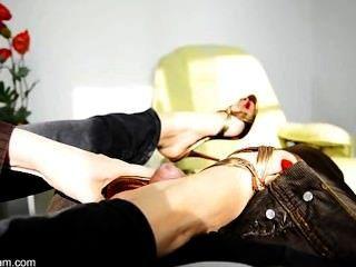 Nicole 24 - Sexy Footjob