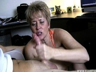Variant amateur car handjob cum swallow really