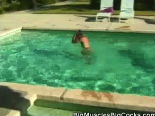 Cock Sucking Muscled Hunks By The Pool