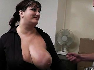 secretary spied giving boss a blowjob