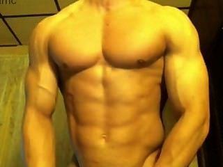 Hot Bodybuilder Stroking His Big Dick
