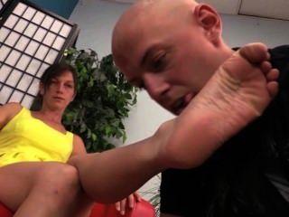 shoe lick