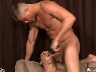 Married Guy Brad Star Gets Cock Sucked And Winked By Gay Brandon Lewis