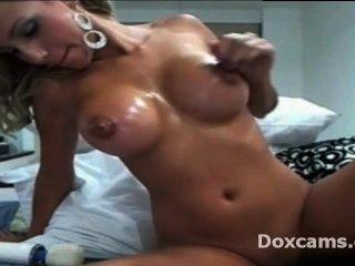 Oiled Blonde Amateur Teen Masturbate Pussy