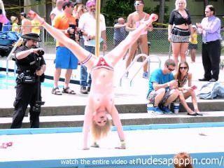 Sexy Cheerleader Stripper