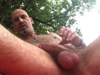 Yummy Guy Outdoor Wanking