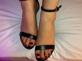Shoejob Cum On Her Feet And Black Strappy Heels