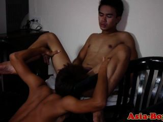 Young Asian Twinks Enjoy Sucking Cock