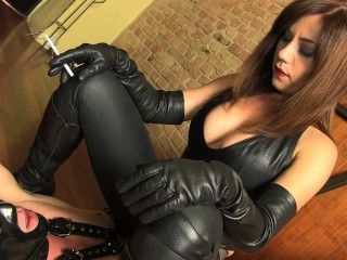 Smoking Leather Mistress