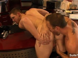Lusty Gays Lick And Hump Asses In The Office