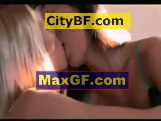 421 Two Women Kissing In Bed 2 2