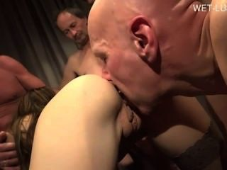 Sexy Housewife Mouth Creampie