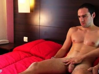 Benoît, A Real Straight Guy In His 1srt Porn Video Get Wanked His Huge Cock