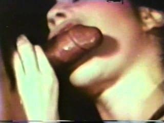 Peepshow Loops 352 1970s - Scene 4