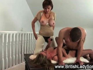 Threeway Stockings Hoe Gets Fucked