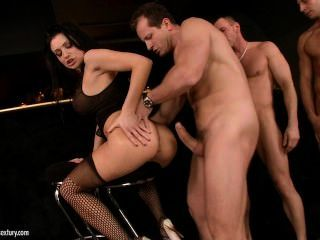 Aletta Ocean-on A Man Hunt