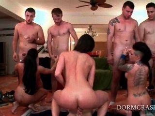 Pornstars Eating College Loaded Shafts On Knees At Orgy