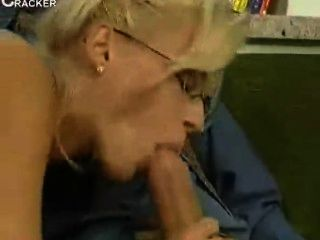 Swedish Lonely Housewife Get Fucked