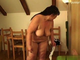 Wet Housewife Anal
