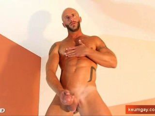 Aymer An Handsome Sport Guy Gets Wanked His Huge Cock By A Guy !