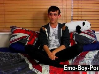 Hot Gay 20 Year Old Jake Wild Is A Wild Emo Youngster Who Is Into The