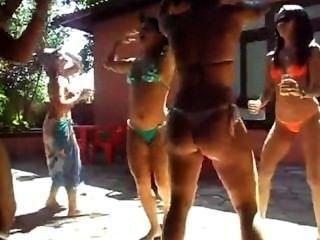 Novinha DanÇando Funk Putaria Na Frente Da Cam VÍdeo