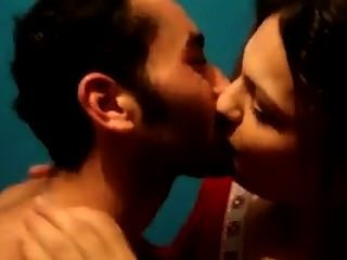 Turkish - Hot Kissing