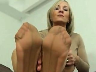 worship feet Mature milf soles